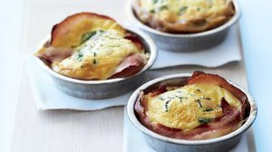 386878-egg-and-bacon-pie